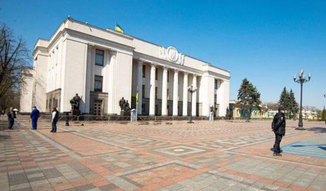 Для чего в Украине хотят ввести двойное гражданство
