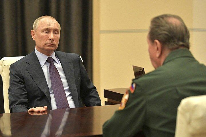 Путин возложил ответственность за решения по коронавирусу на правительство и губернаторов
