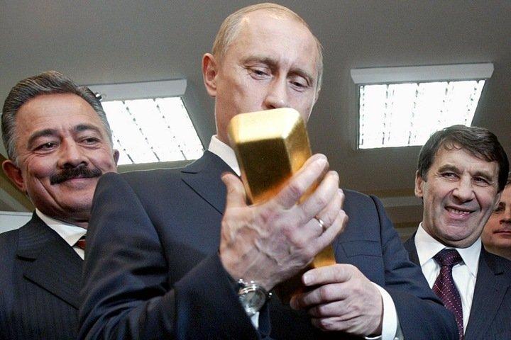 Деньги для всех: популизм или необходимость? Дебаты о кризисе в России