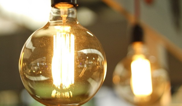 Да будет свет: обычная лампочка поможет подслушивать людей