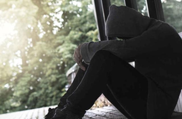 3 гарантированных способа остаться одиноким. В чем опасность социальной изоляции