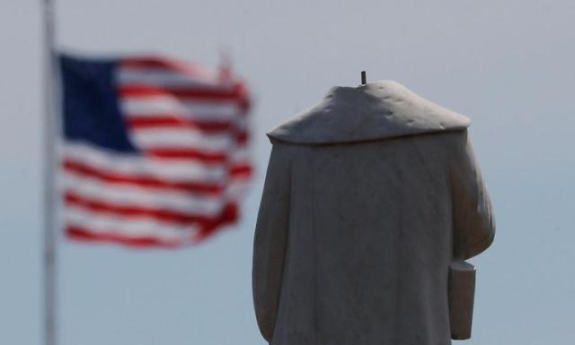 Глубочайший спад: в США официально объявили о начале рецессии