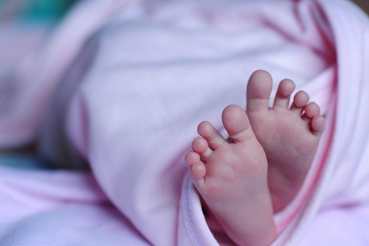 Женщина с COVID-19 родила здорового ребенка в Чите