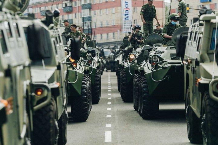 Военный парад отрепетировали в Улан-Удэ частично без масок