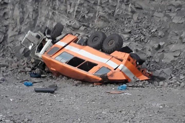 Начальник смены кузбасского разреза, где автомобиль с горняками упал с обрыва, пытался оспорить приговор. В ДТП погибли 8 человек