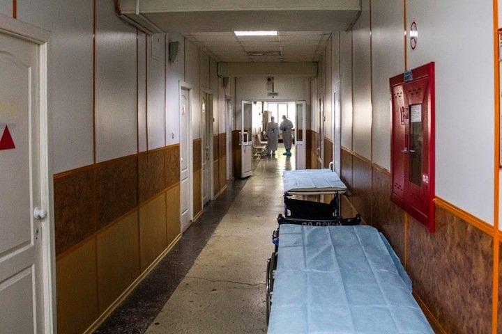 Более 300 сибиряков с коронавирусом умерли