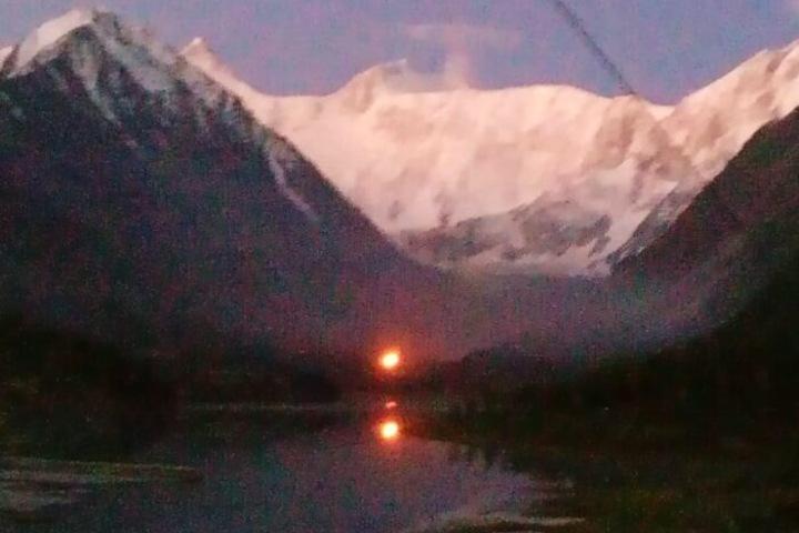 Самая высокогорная часовня России сгорела на Алтае