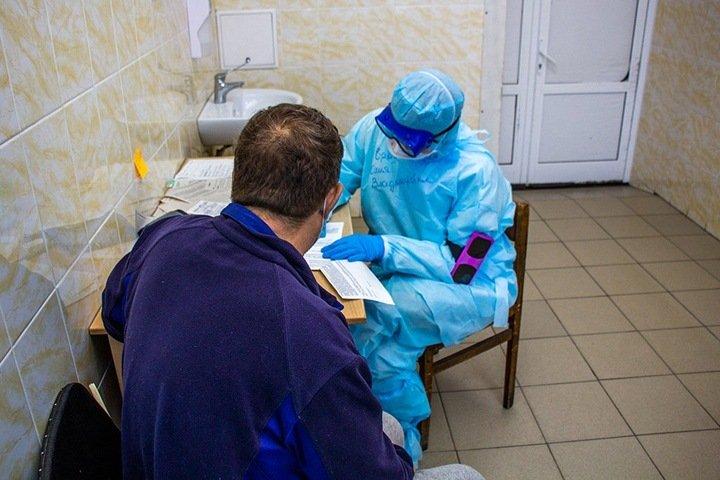 Почти 4,5 тыс. новосибирцев заразились коронавирусом