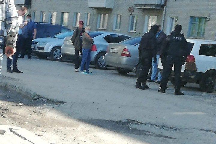 Уличившего новосибирского начальника ГИБДД в пьяном ДТП водителя задержал спецназ