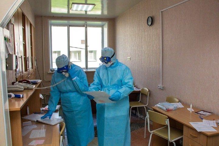 Около 34 тыс. сибиряков заболели коронавирусом. Рекорды в Томске и на Алтае