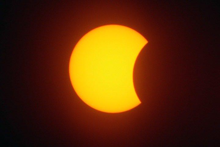 Жители Сибири увидят затмение 21 июня. Луна закроет шестую часть Солнца