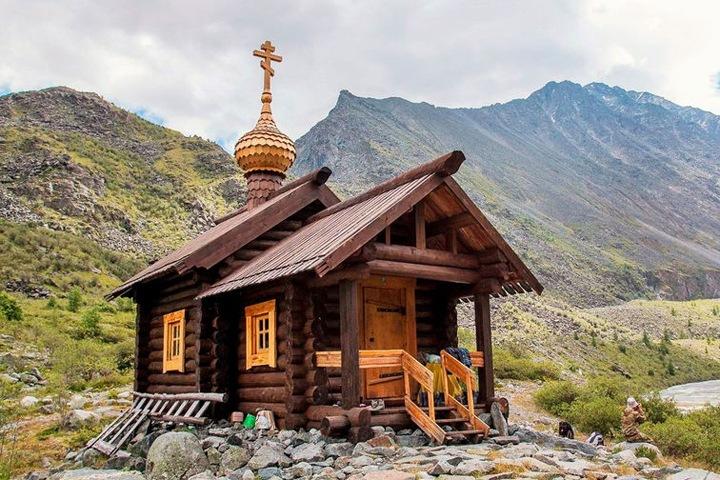 Полиция намерена опросить «шамана Люцифера» по делу о сгоревшей высокогорной часовне на Алтае