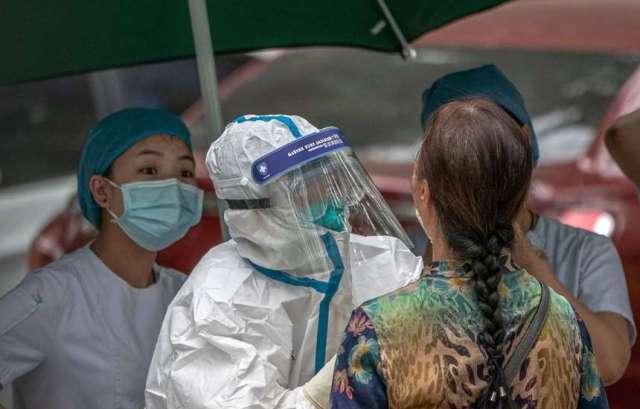 Вспышка COVID-19 в Пекине: в Китае усилили карантин
