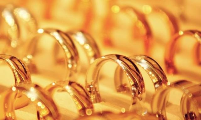 Золотое отсечение: ювелиры предупредили о риске подорожания украшений на 30%
