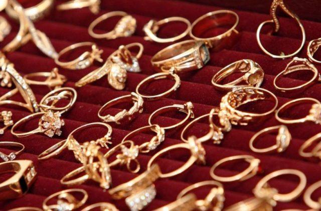 Золото всегда в цене: что нужно знать, выбирая ювелирные изделия