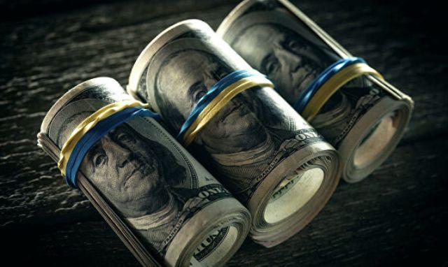 На двух стульях: МВФ объявил доллар угрозой для мировой экономики