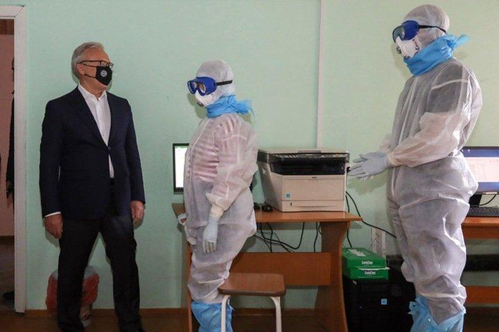 Число погибших с коронавирусом в Сибири превысило 800: в лидерах по летальности Красноярск и Новосибирск