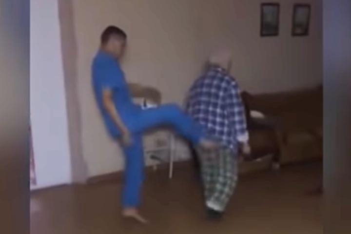 Санитар психинтерната в Горно-Алтайске избил пациентов