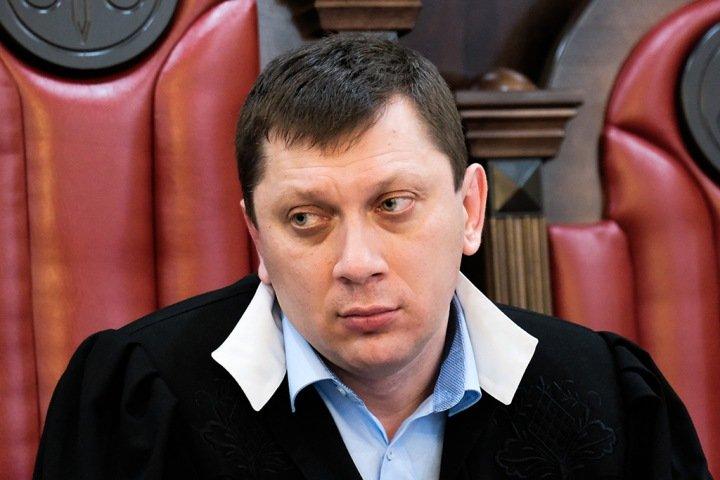 Судья отказался считать доказательствами в деле замов Тулеева публикации «Коммерсанта» и РИА Новости