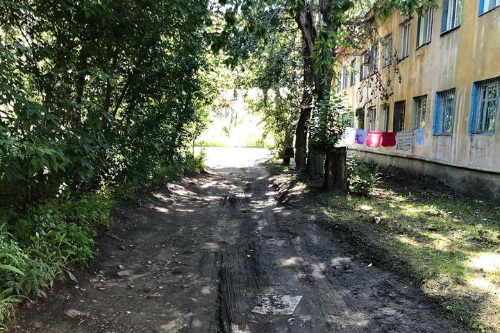 «Не ступала нога чиновника»: депутат показал небезопасный район Красноярска