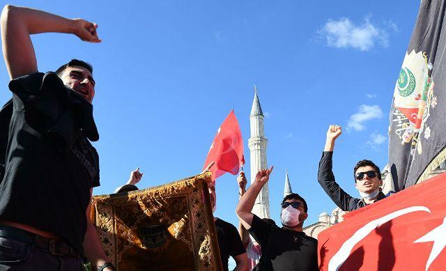 Святая София опять стала мечетью. К чему приведет решение Эрдогана