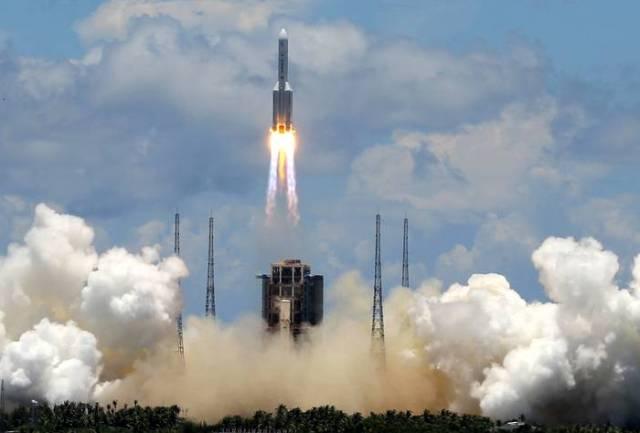 Типичные марсиане: Китай успешно запустил свой первый марсоход