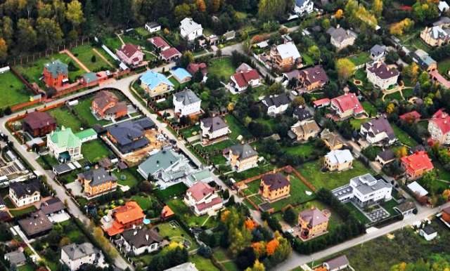 Дома без спроса: какое загородное жилье утратило популярность