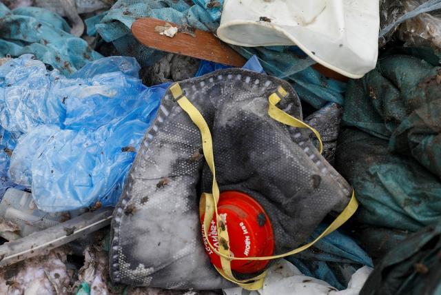 Мусор как источник заразы: почему маски и перчатки стали проблемой для экологии