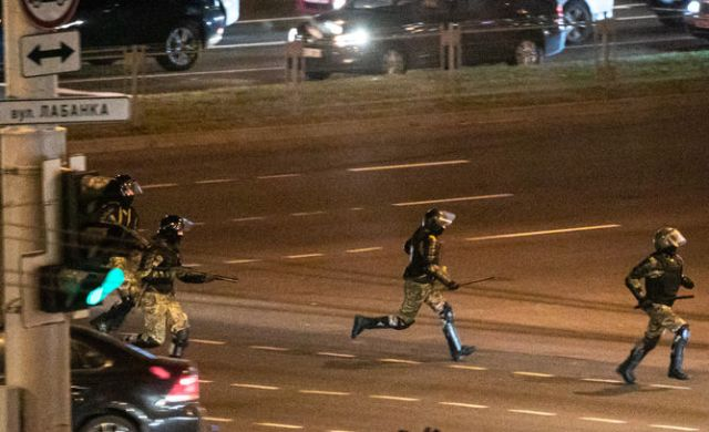 Третья ночь: почему протесты в Минске начинают затихать