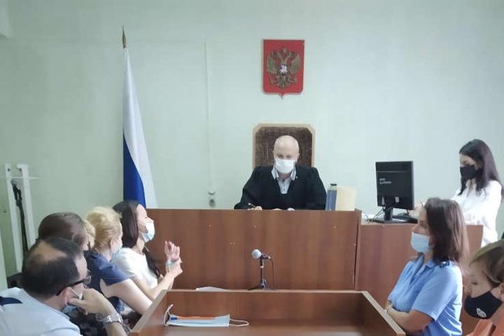 Четыре удара ножом для устрашения: членов кузбасской банды судят за вымогательство 3 млн у новосибирца