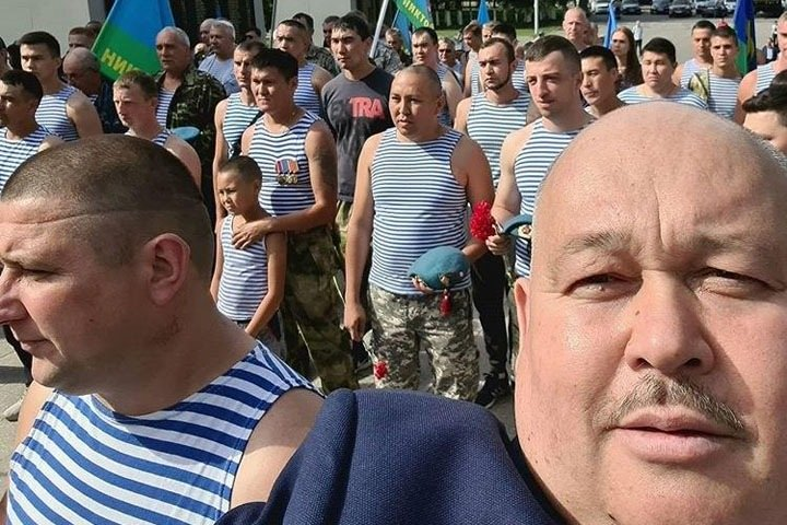 Алтайский депутат предложил «неслужившим» убирать оставленный десантниками мусор