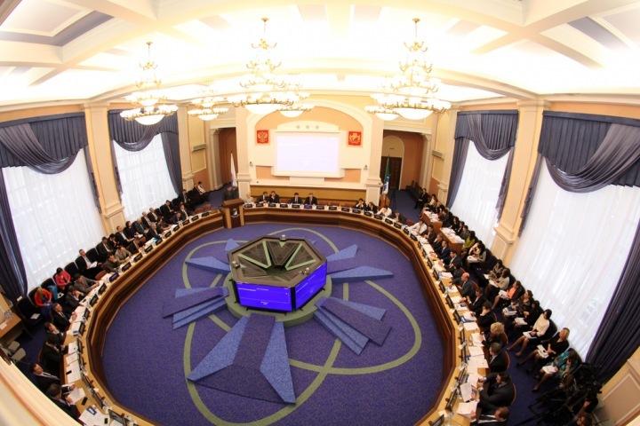 Что думают новосибирцы о депутатах: не должны голосовать за повышение тарифов и пенсионного возраста