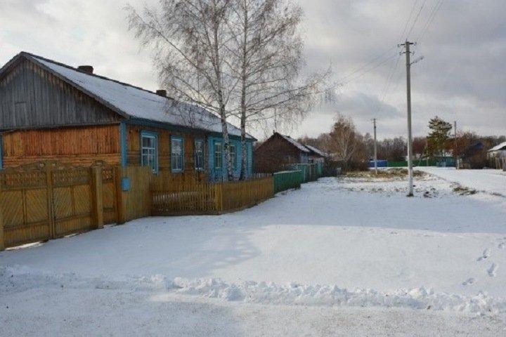 «Бей москвича»: новосибирский суд не нашел связи между ударами и травмами в сельской драке с участием военного