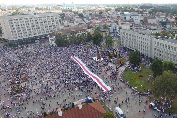 Белорусы: «Если дать слабину, нас всех закатают в асфальт»