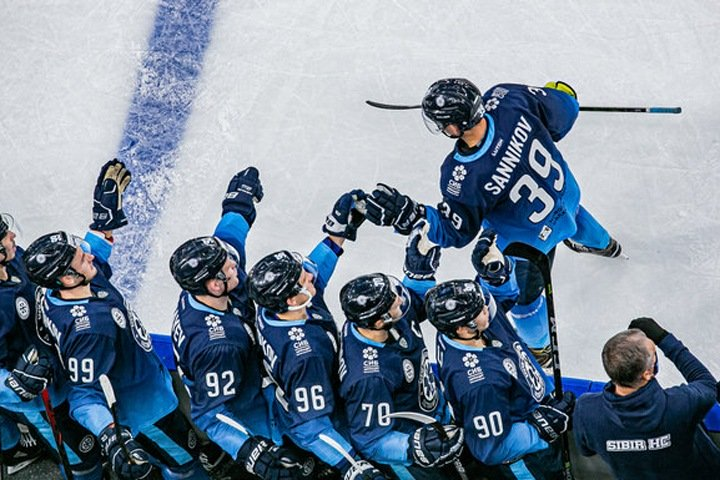 Хоккеисты «Сибири» массово заболели коронавирусом