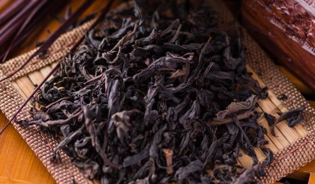 Душевное равновесие: чем и кому полезен красный чай