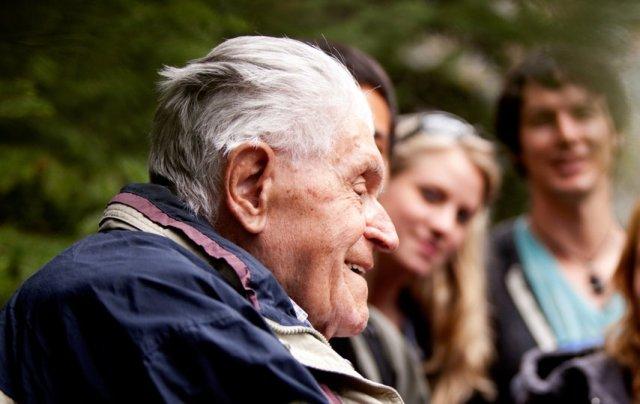 Преклонный возраст: как уберечься пожилому человеку от осенних болезней