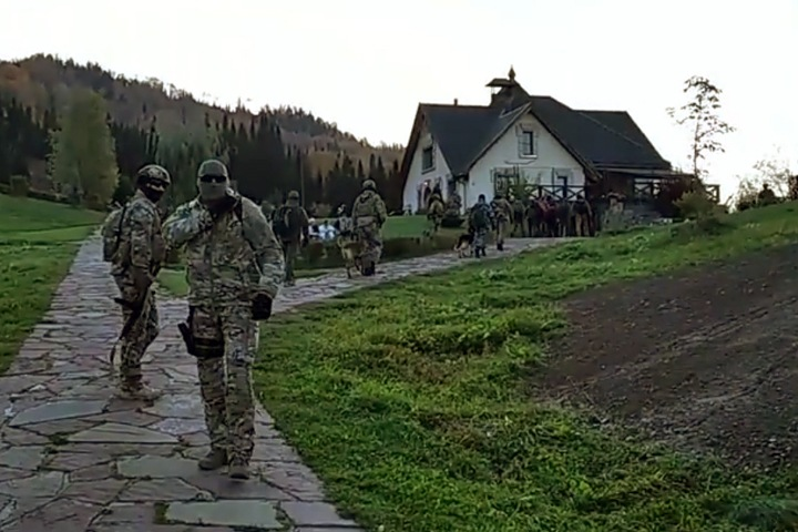 Спецназ задержал Виссариона и его последователей в Красноярском крае