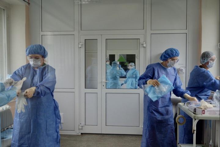 Четверо новосибирцев скончались от коронавируса за сутки