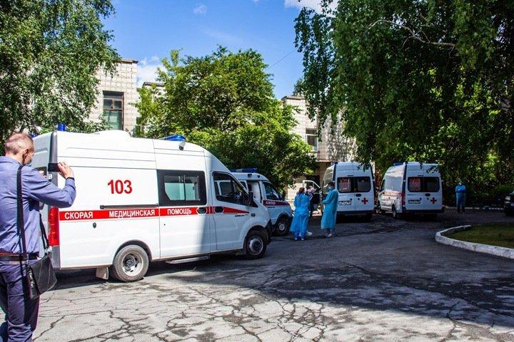 Прокуратура проверит невыплату новосибирским медикам коронавирусных надбавок