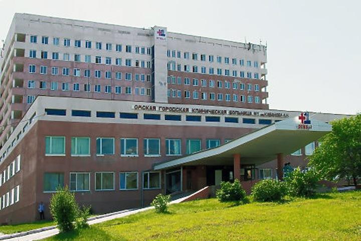 Пациентов заперли в омской горбольнице из-за коронавируса