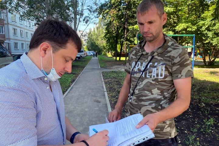 Кандидата от «ЕР» потребовали снять с выборов новосибирского парламента