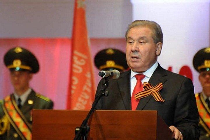 Бывшего омского губернатора госпитализировали с подозрением на коронавирус