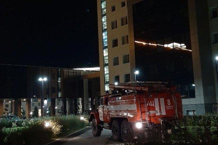 Полиция оцепила здание Новосибирского госуниверситета