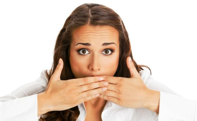 Неприятный запах изо рта: причины, профилактика, лечение