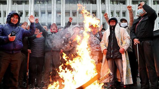 Вакуум власти. Как Киргизия живет в анархии