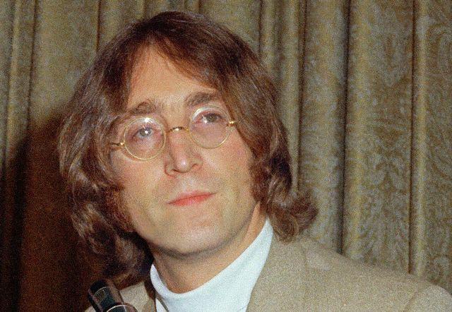 Музыкант и семьянин. К 80-летию Джона Леннона
