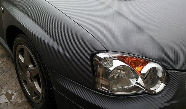 Карбоновая пленка: оригинальный способ преобразить авто