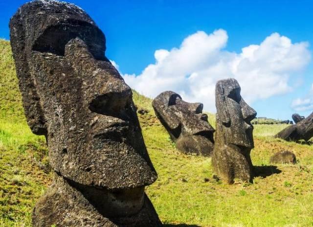 Тайна острова Пасхи. Кто все-таки построил каменных истуканов