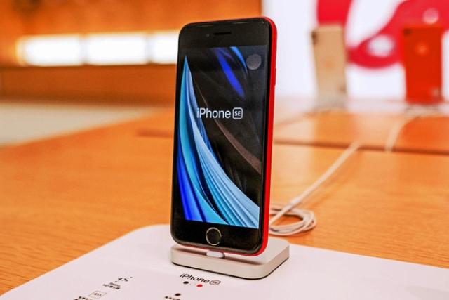 Дорогая игрушка: почему iPhone 12 не стоит таких денег